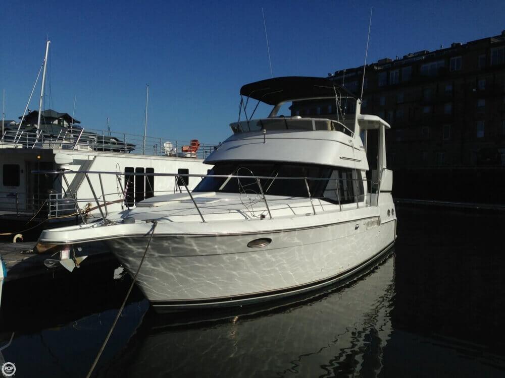 2000 Carver 356 Motor Yacht - Photo #4
