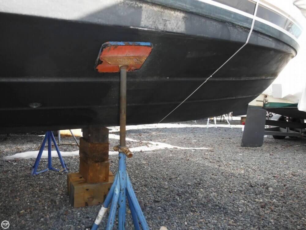 2000 Carver 356 Motor Yacht - Photo #26