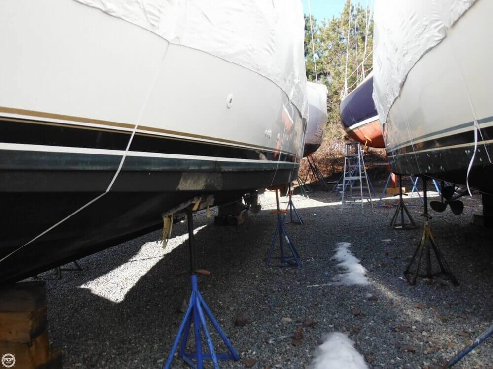 2000 Carver 356 Motor Yacht - Photo #33