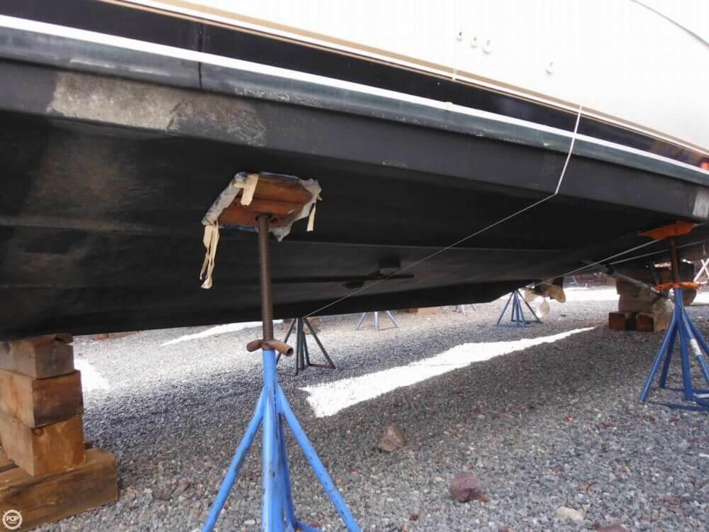 2000 Carver 356 Motor Yacht - Photo #34
