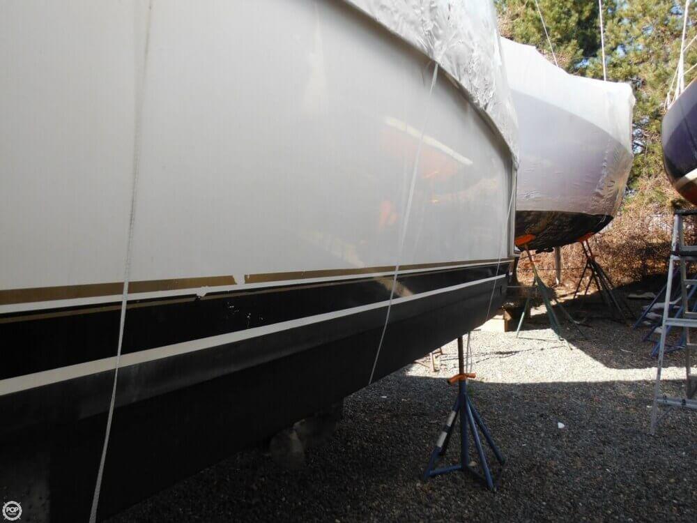 2000 Carver 356 Motor Yacht - Photo #36