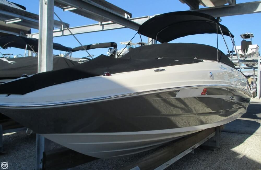 2010 Sea Ray 220 Sundeck - Photo #22