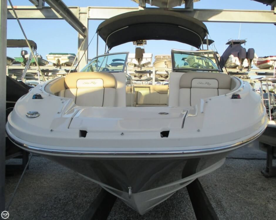 2010 Sea Ray 220 Sundeck - Photo #26