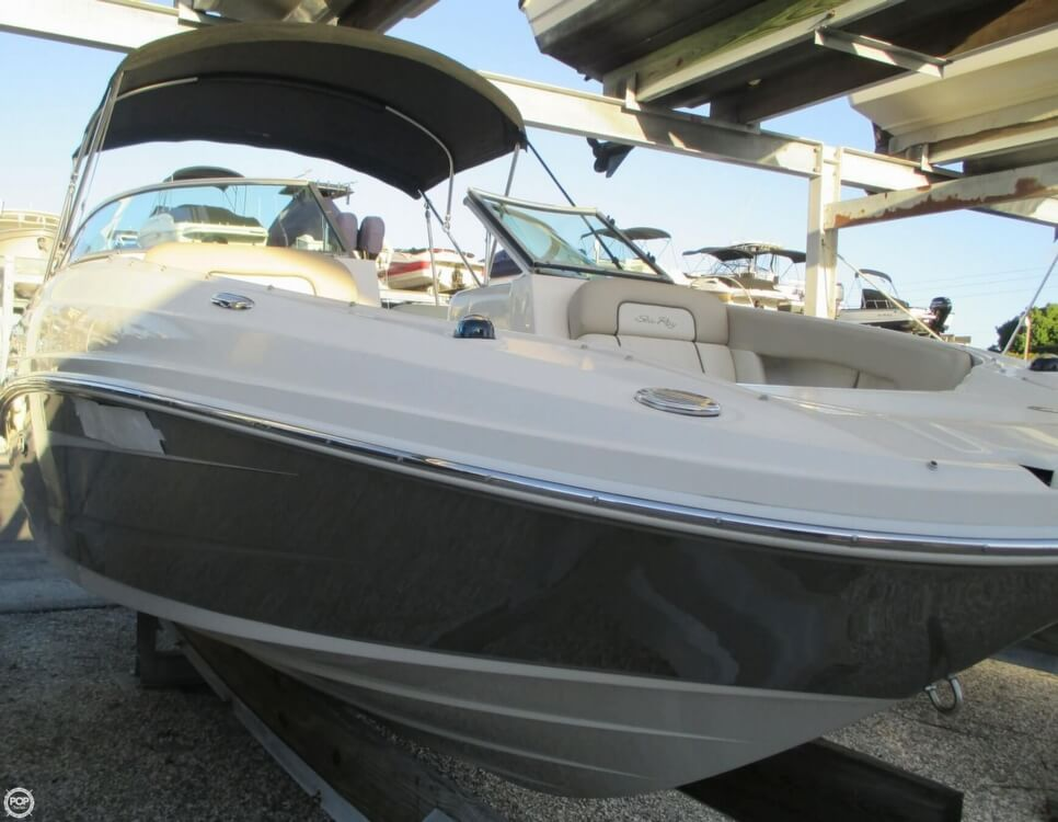 2010 Sea Ray 220 Sundeck - Photo #27