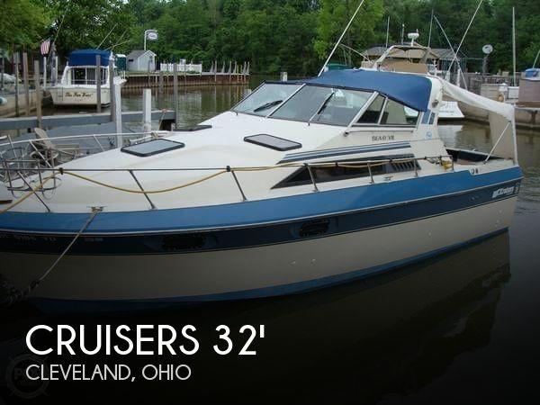 1984 Cruisers 291 Sea Devil - Photo #1