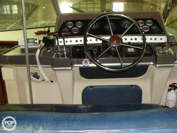 1984 Cruisers 291 Sea Devil - Photo #10