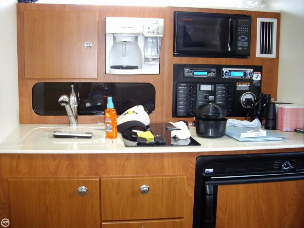 2008 Bayliner 340 Express Cruiser - Photo #20