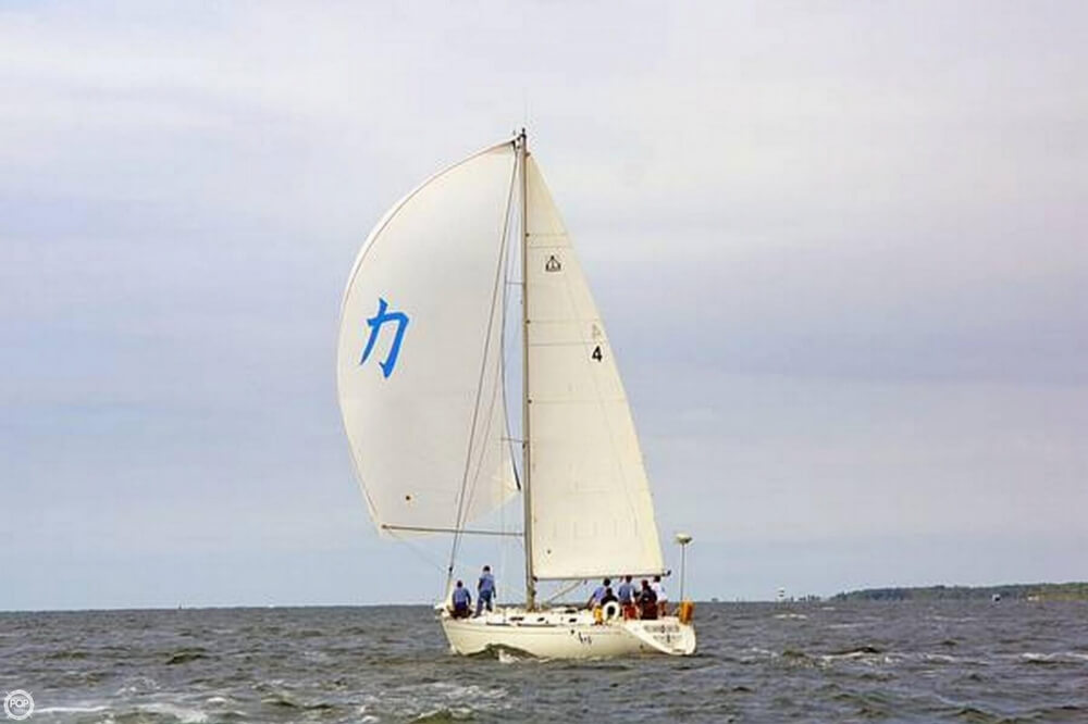 1998 Dufour Classic 38 - Photo #6