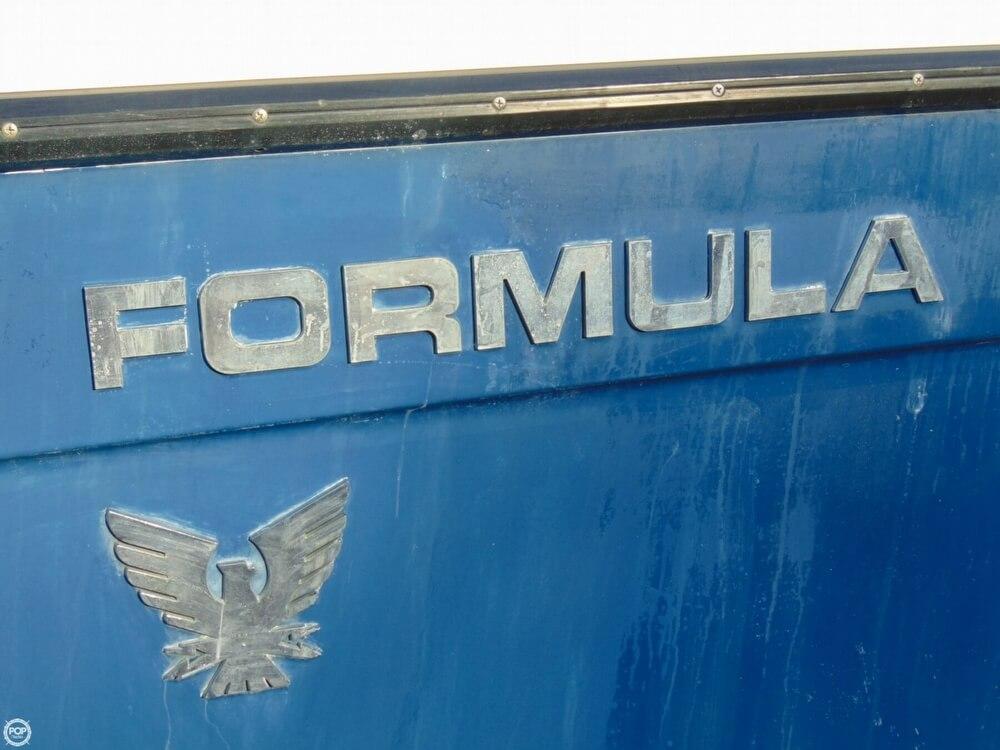 1987 Formula Thunderbird 28 PC - Photo #12