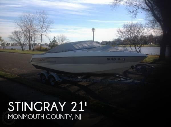 2003 Stingray 220 LX Bowrider - Photo #1
