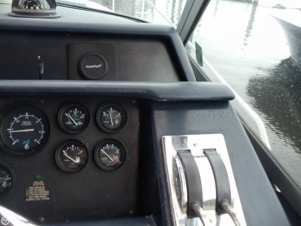 1990 Sea Ray 310 Express - Photo #29