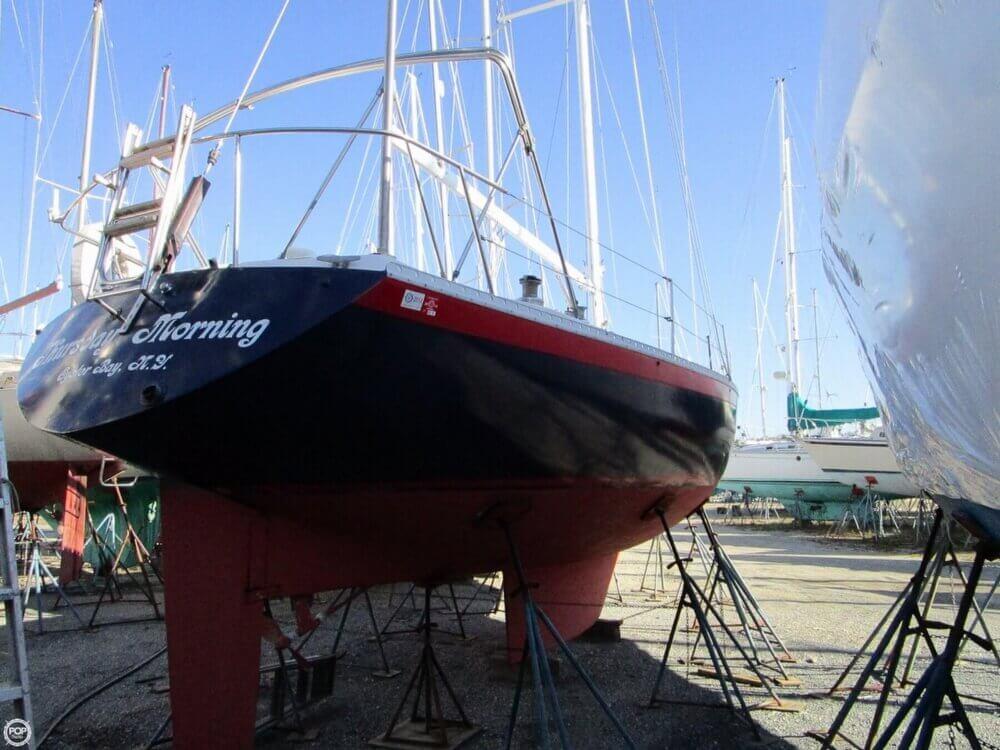 1981 Irwin Yachts 40 Mk II - Photo #11