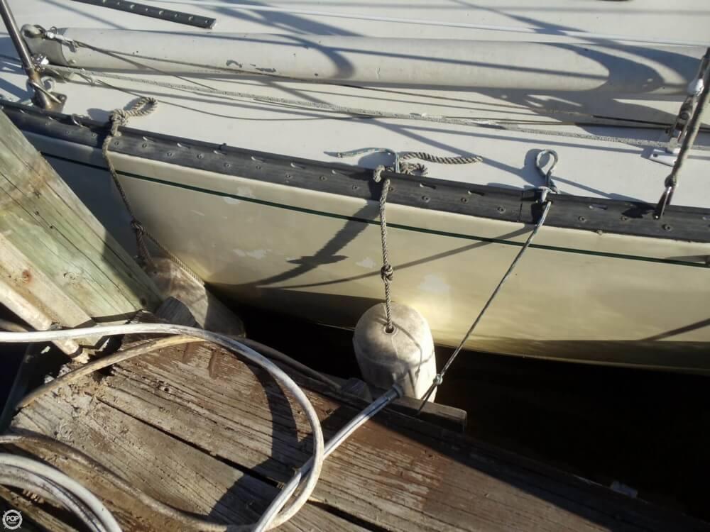1982 Newport 41 - Photo #31
