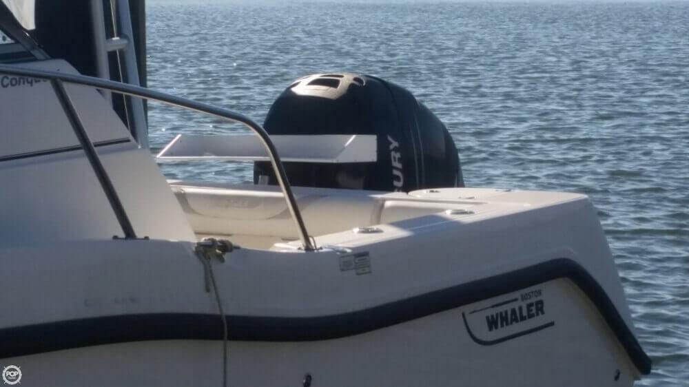 2006 Boston Whaler 255 Conquest - Photo #12