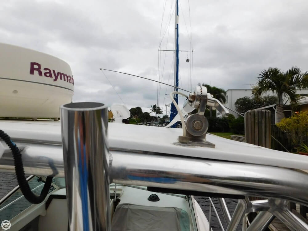 1991 Sea Ray boat for sale, model of the boat is Laguna 24 & Image # 13 of 41