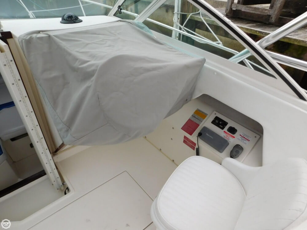 1991 Sea Ray boat for sale, model of the boat is Laguna 24 & Image # 15 of 41