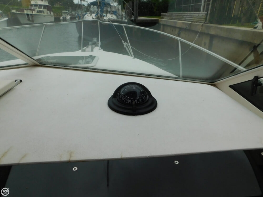 1991 Sea Ray boat for sale, model of the boat is Laguna 24 & Image # 25 of 41