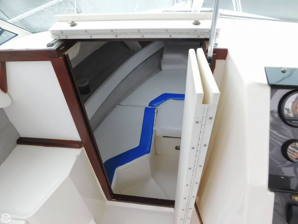 1991 Sea Ray boat for sale, model of the boat is Laguna 24 & Image # 27 of 41