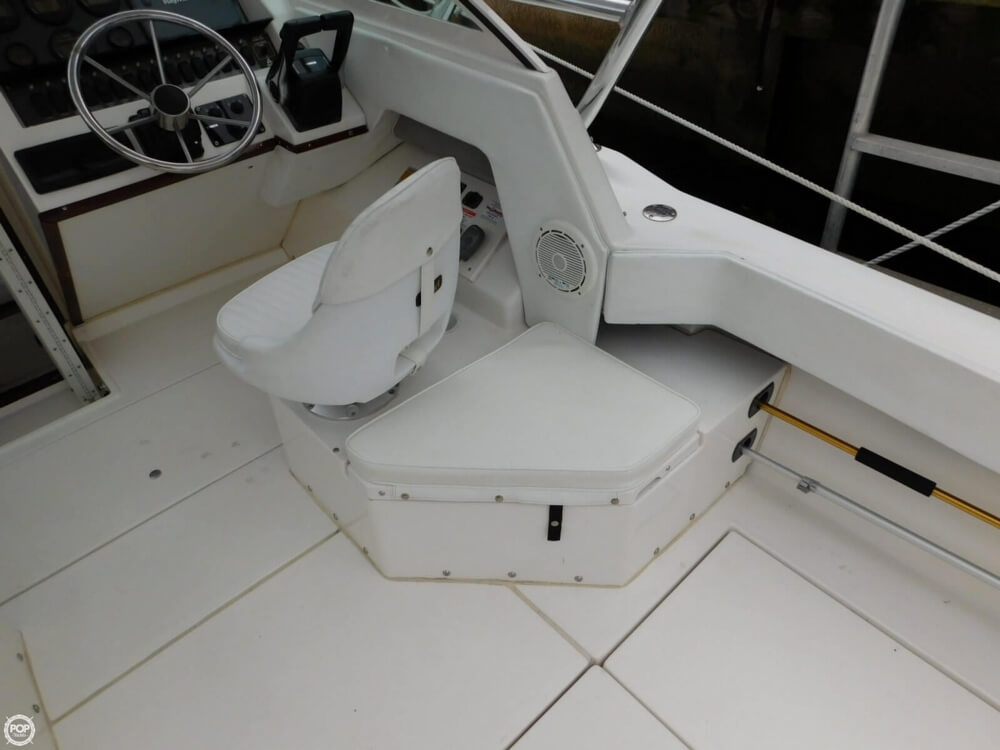 1991 Sea Ray boat for sale, model of the boat is Laguna 24 & Image # 29 of 41