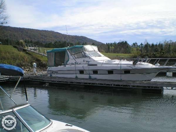 1989 Cruisers 3370 Espirit - Photo #2