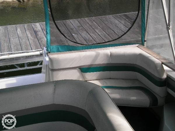 1989 Cruisers 3370 Espirit - Photo #11