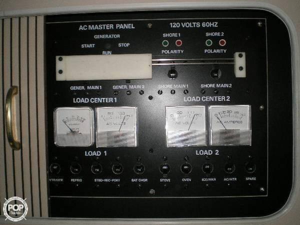 1989 Cruisers 3370 Espirit - Photo #19