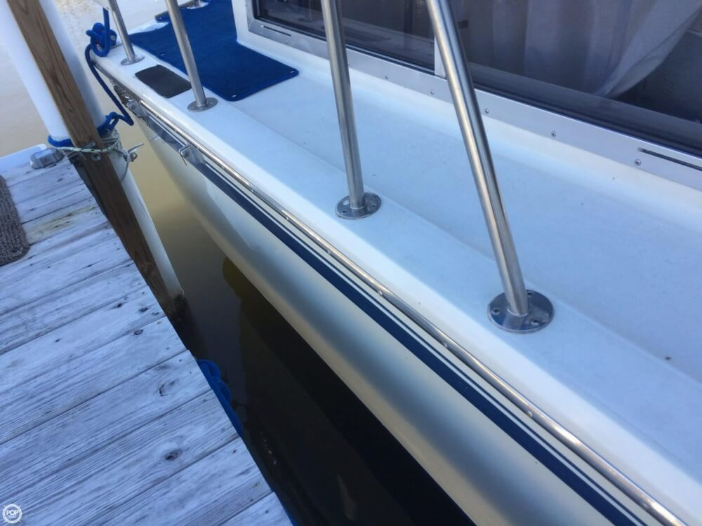 1985 Chris-Craft 381 Catalina - Photo #31