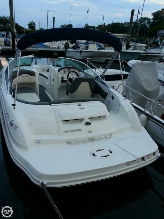 2011 Sea Ray 200 Sundeck - Photo #2