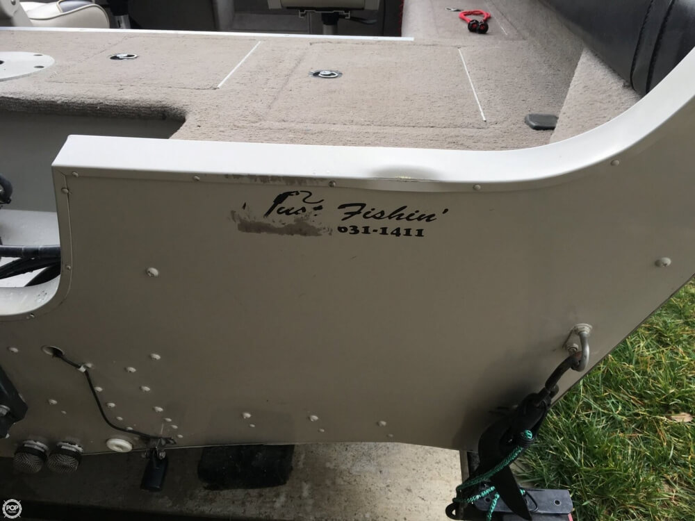 2001 Smoker Craft boat for sale, model of the boat is Millentia 172 & Image # 18 of 40