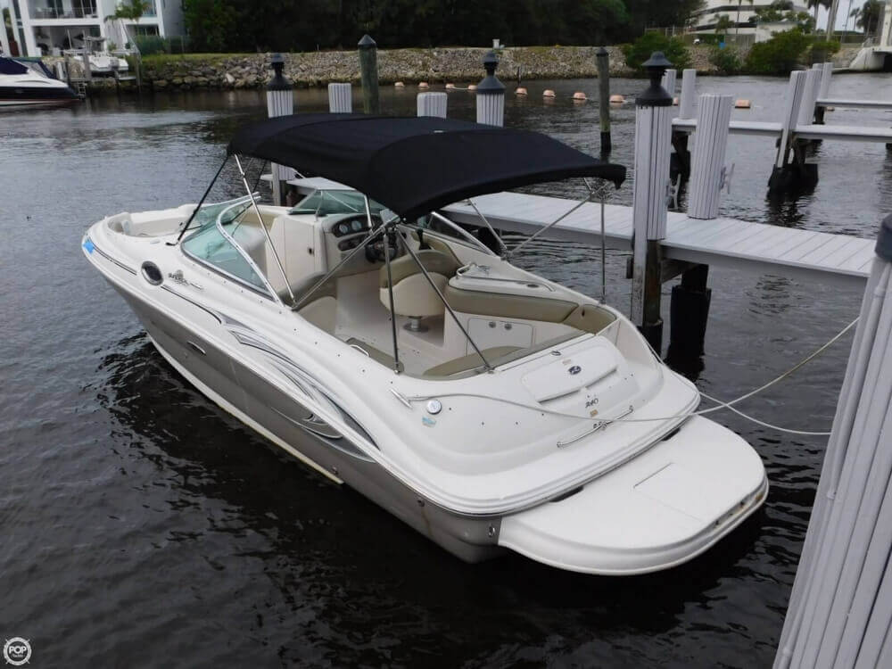 2005 Sea Ray 240 Sundeck - Photo #7