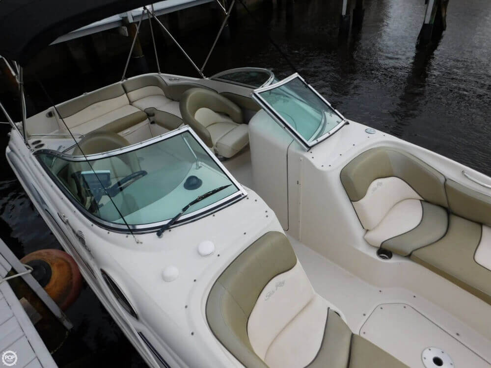 2005 Sea Ray 240 Sundeck - Photo #12