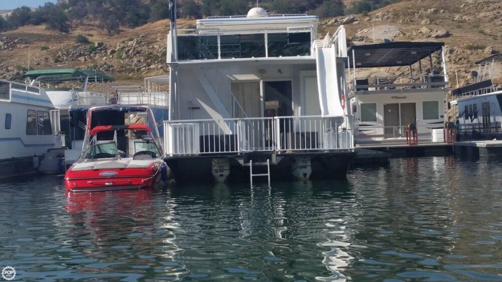 2001 Fun Country 70' X 16' Houseboat - Photo #4