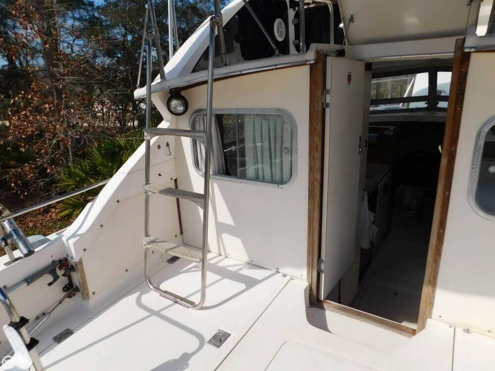 1978 Bertram boat for sale, model of the boat is 28 Sport Fisherman & Image # 17 of 40