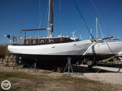 Bruce Roberts Spray 28, 28', for sale - $25,000