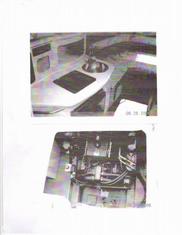 1995 Sea Ray 250 Sundancer - Photo #13