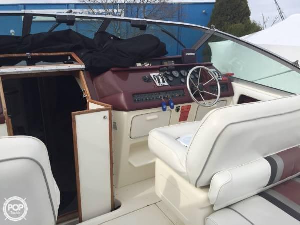 1990 Sea Ray 310 Express Cruiser - Photo #8