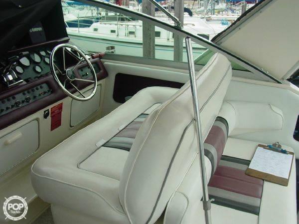 1990 Sea Ray 310 Express Cruiser - Photo #6