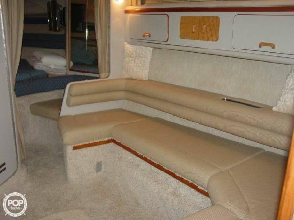 1990 Sea Ray 310 Express Cruiser - Photo #15