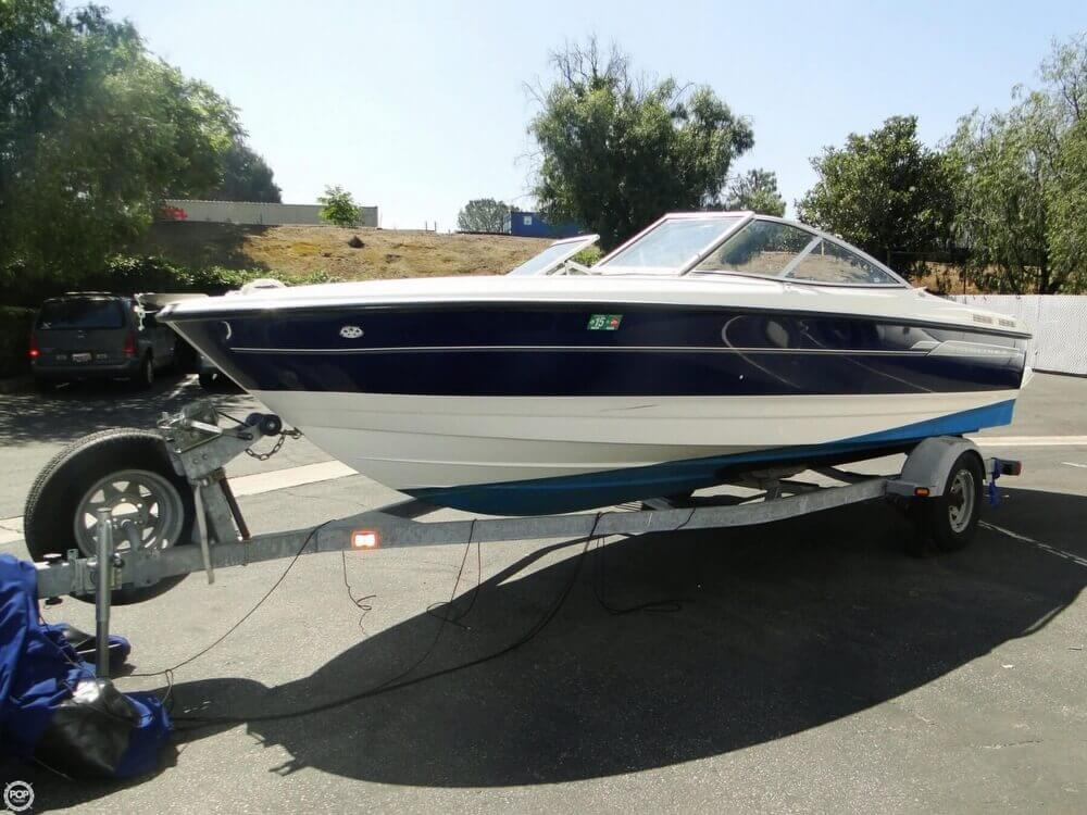 2006 Bayliner 215 Classic Runabout - Photo #2