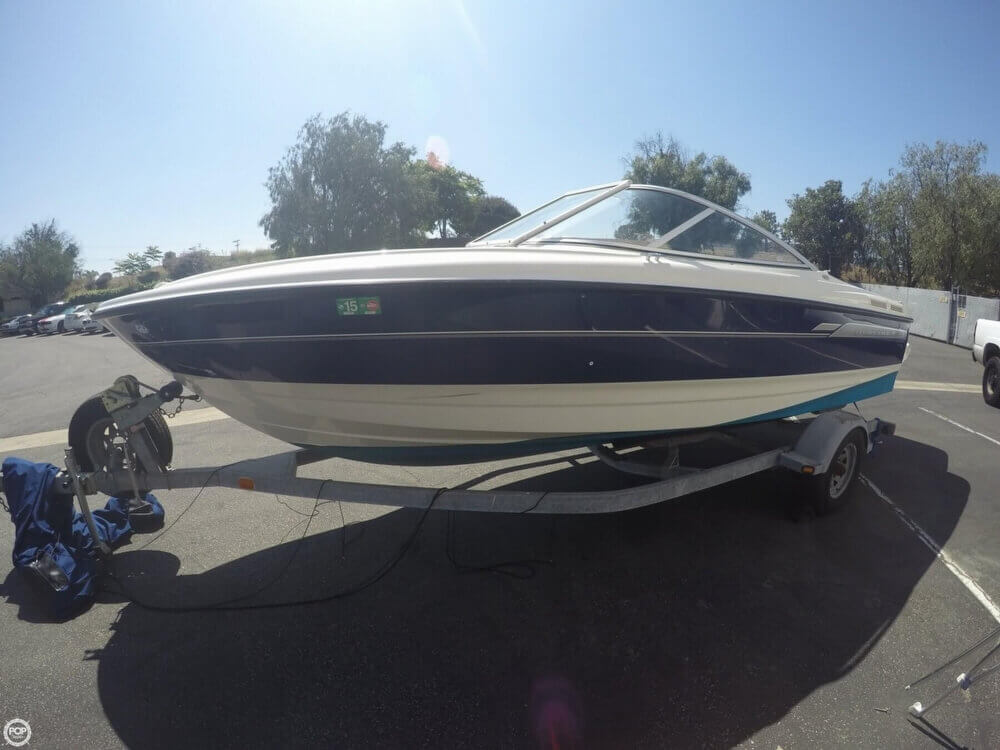 2006 Bayliner 215 Classic Runabout - Photo #4