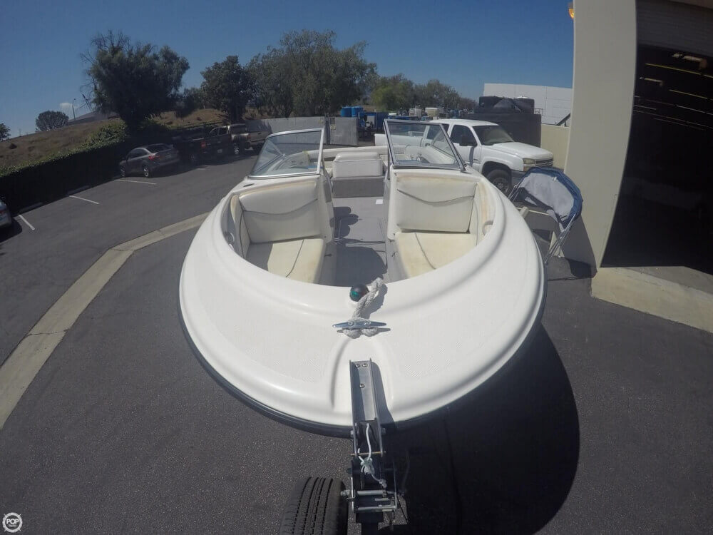 2006 Bayliner 215 Classic Runabout - Photo #5