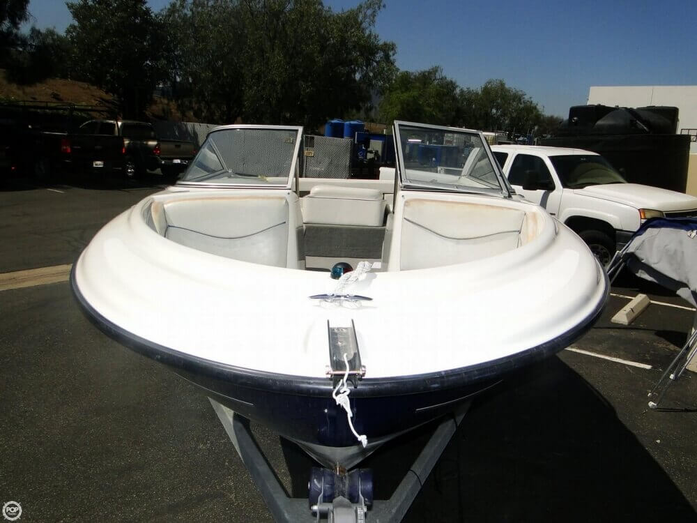 2006 Bayliner 215 Classic Runabout - Photo #6