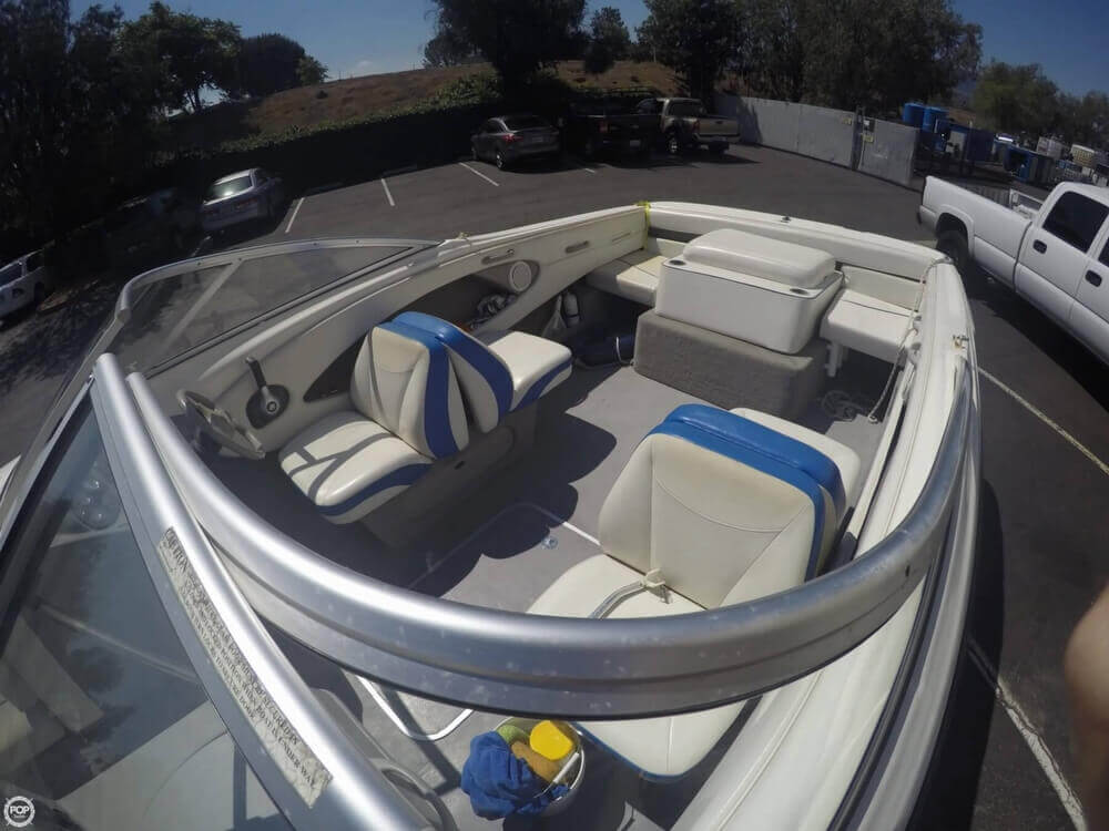 2006 Bayliner 215 Classic Runabout - Photo #7