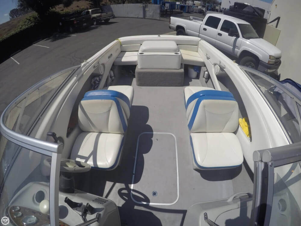 2006 Bayliner 215 Classic Runabout - Photo #8