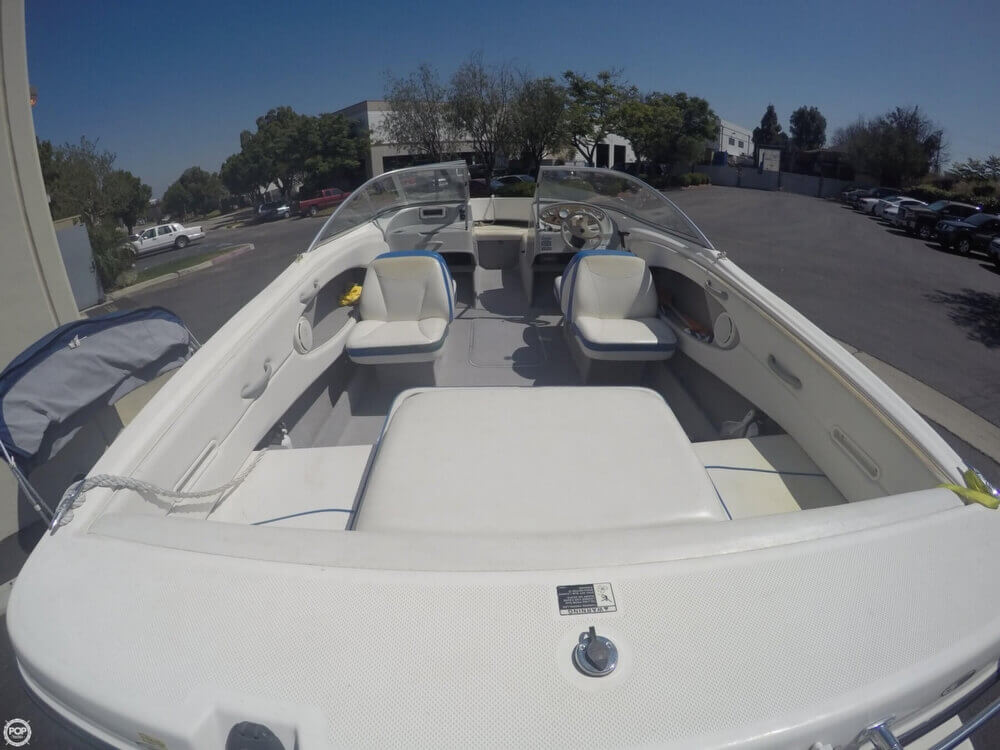 2006 Bayliner 215 Classic Runabout - Photo #9