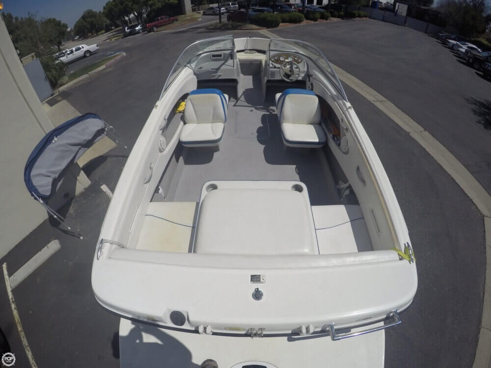 2006 Bayliner 215 Classic Runabout - Photo #10