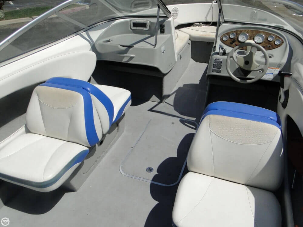 2006 Bayliner 215 Classic Runabout - Photo #11