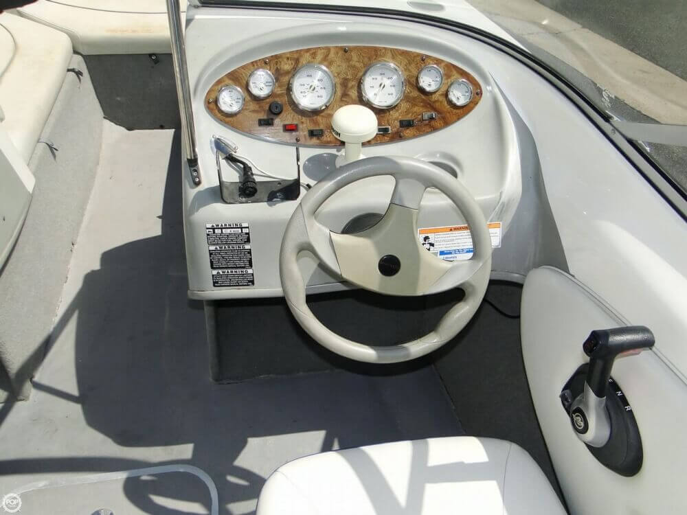 2006 Bayliner 215 Classic Runabout - Photo #13