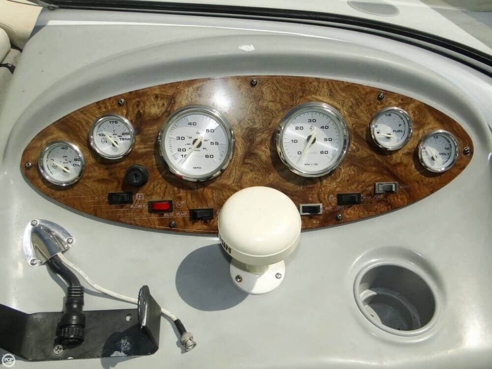 2006 Bayliner 215 Classic Runabout - Photo #14