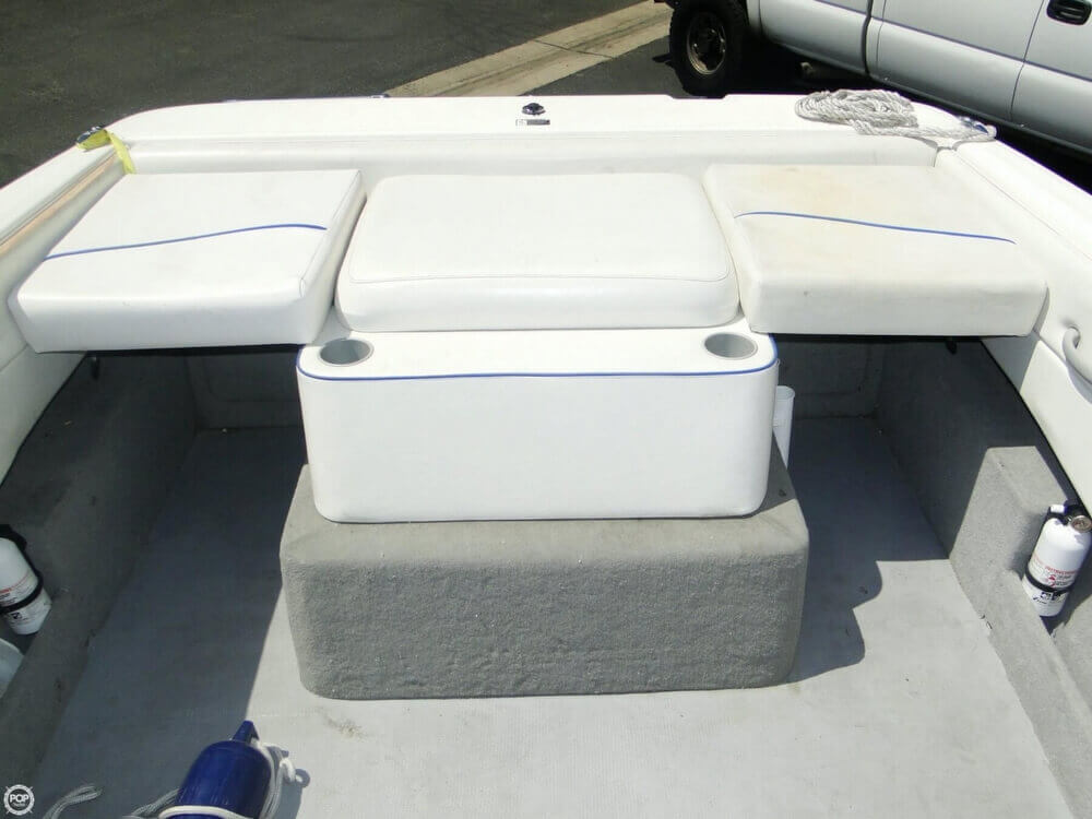 2006 Bayliner 215 Classic Runabout - Photo #16